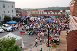 West Plains Square with people attending the Old Time Music Festival